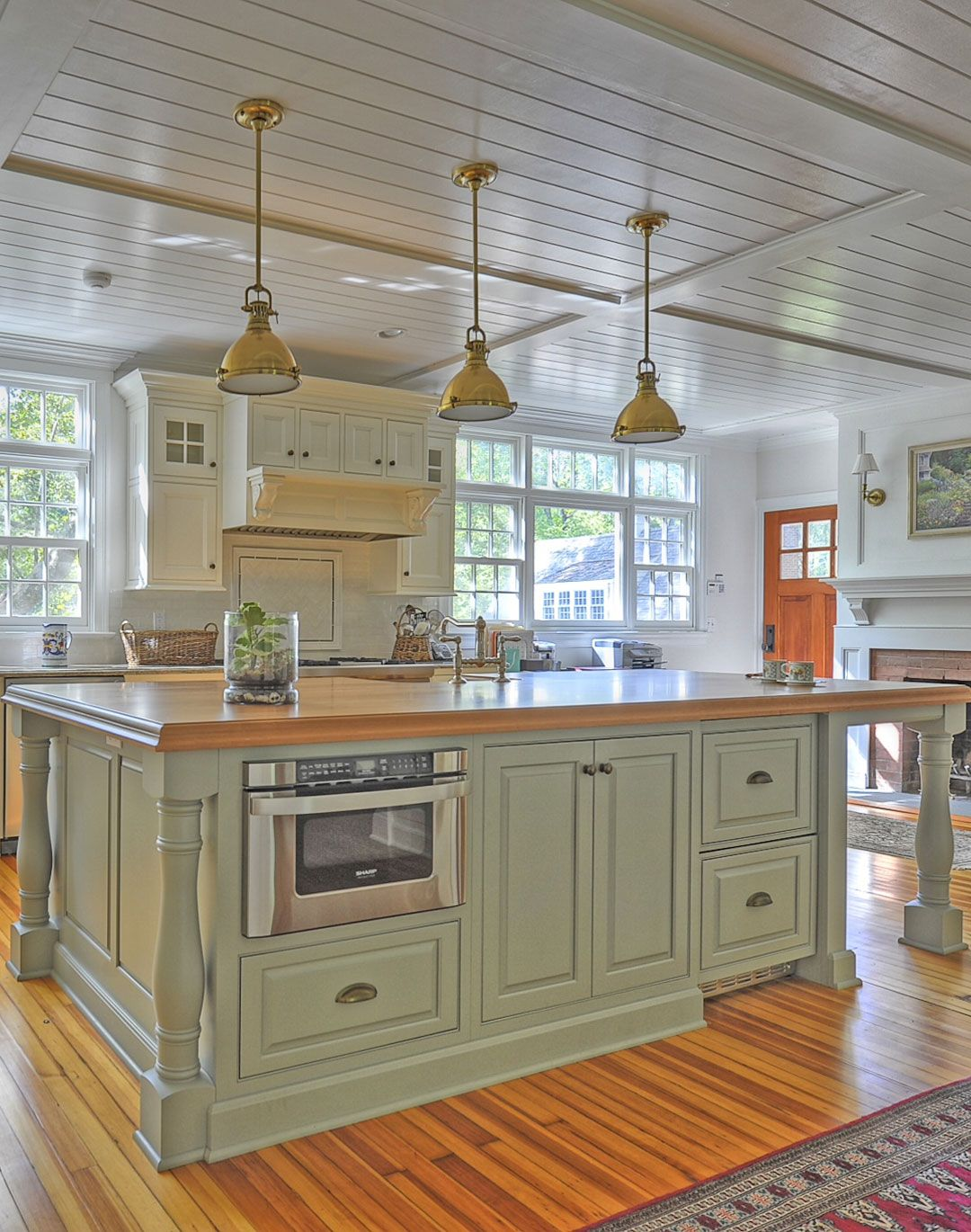 Pleasing Traditional Kitchen Cabinets Plain Fancy Cabinetry