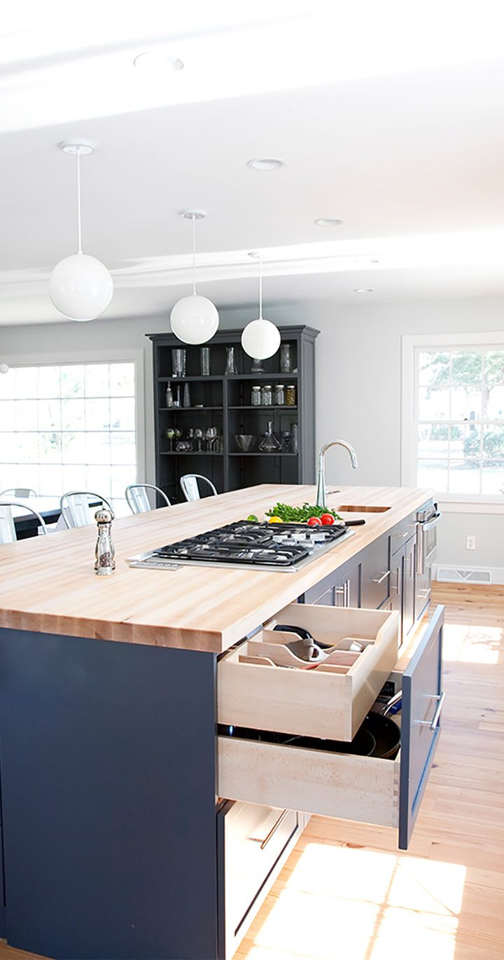 Contemporary Kitchen Fit for Cooking | Plain & Fancy Cabinetry