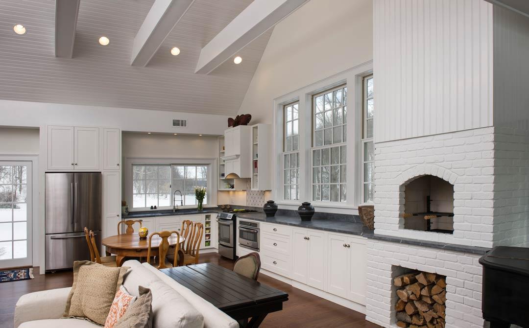 Cozy White Traditional Kitchen