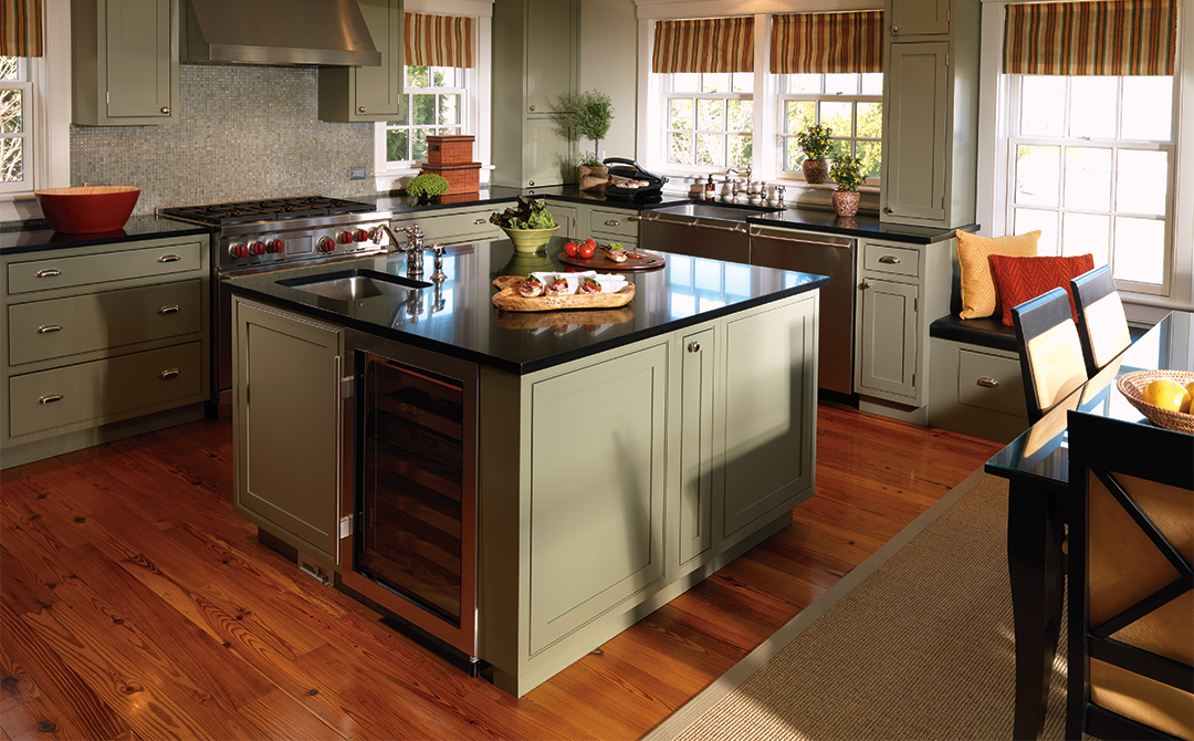 Kitchen Cabinets With Flirtatious Finishes