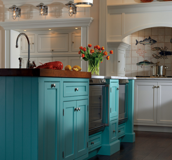 Midnight Blue Kitchen Island: Kitchen Cabinets With The Sweetest Dreams Plain & Fancy