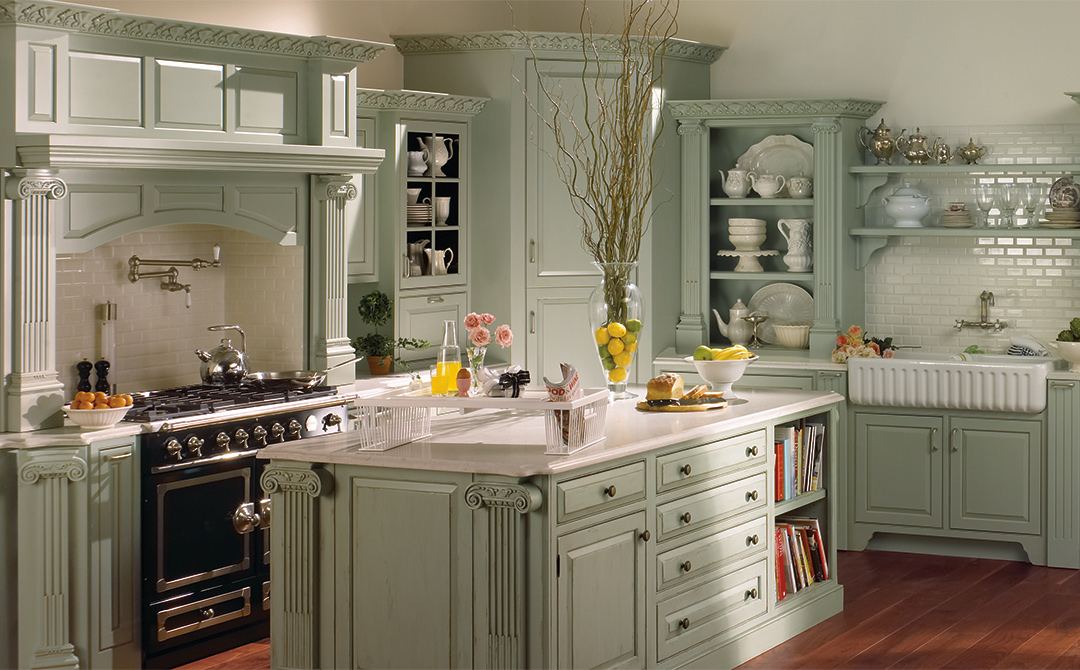 colonial kitchen cabinets