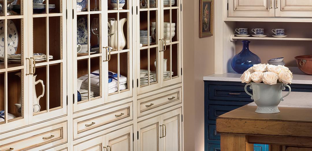 Decorative china cabinet