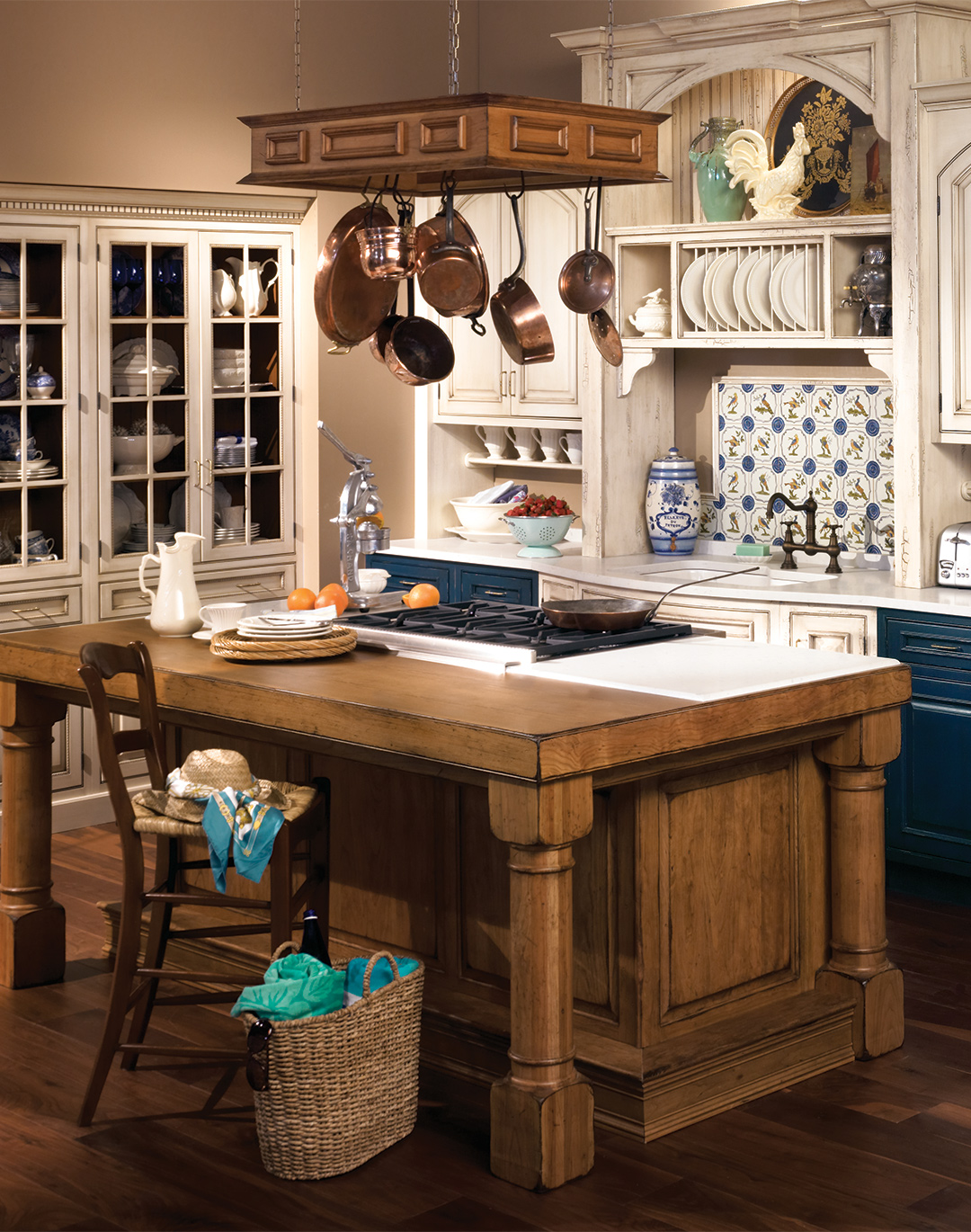 Kitchen Cabinets That Are Both Town U0026 Country