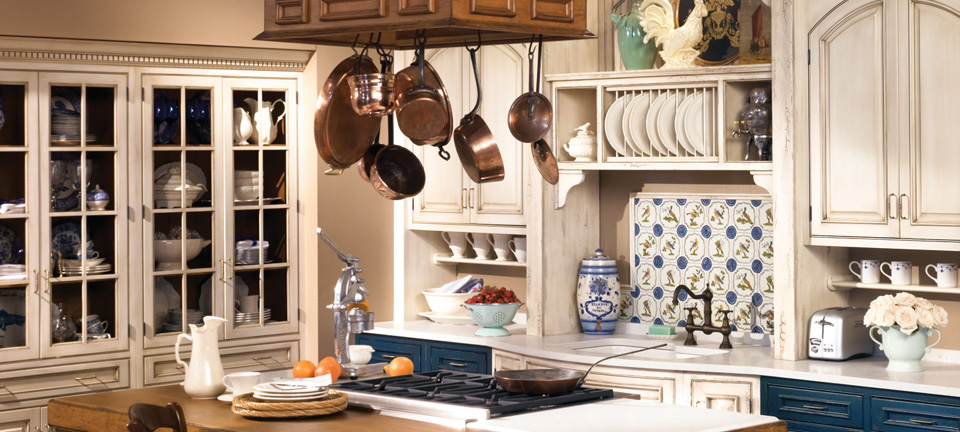 Kitchen Cabinets that are both Town & Country