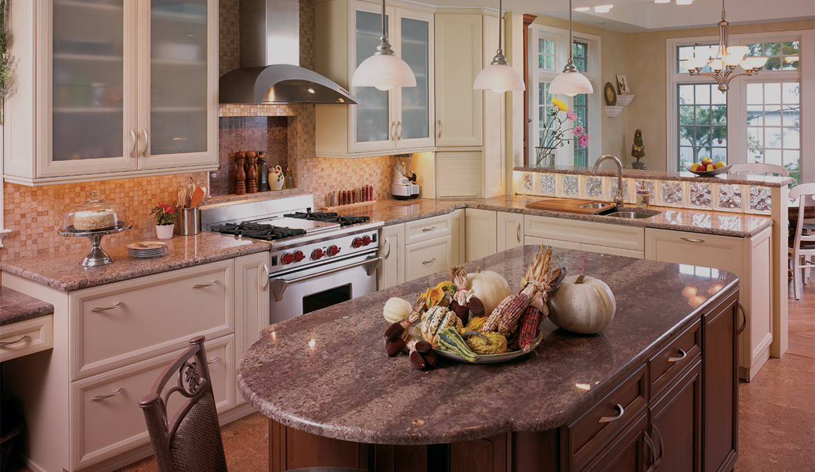 Kitchen Cabinets with Functional fort