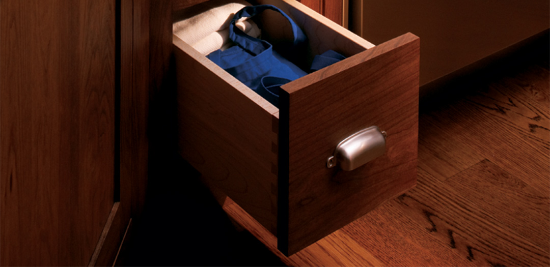 Stylishly Sleek Kitchen Cabinets