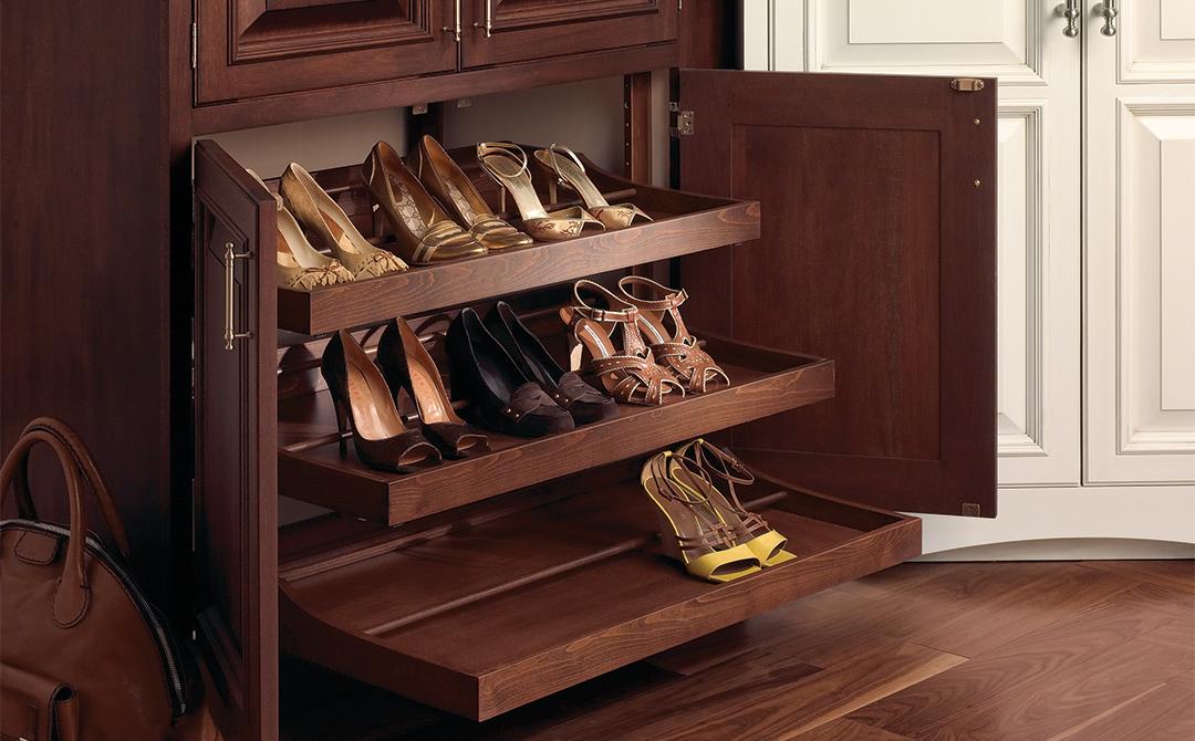 Шкаф в прихожую для обуви.