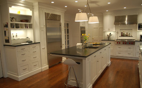Shaker Kitchen Cabinets in Whimsy White