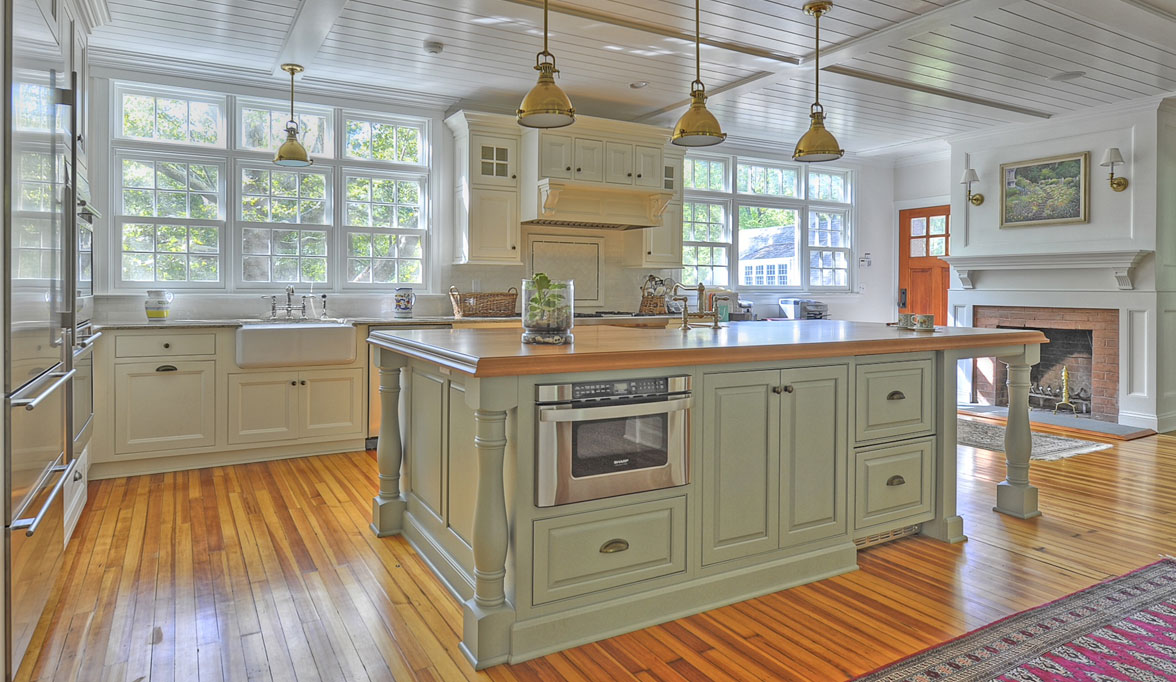Genial Traditional Kitchen Cabinetry That Aims To Please