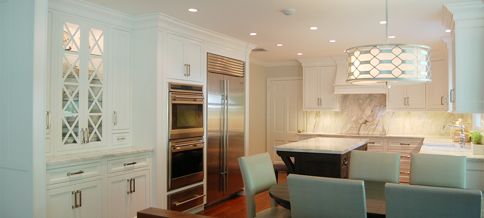 Kitchen Cabinets with Comfort and Elegance