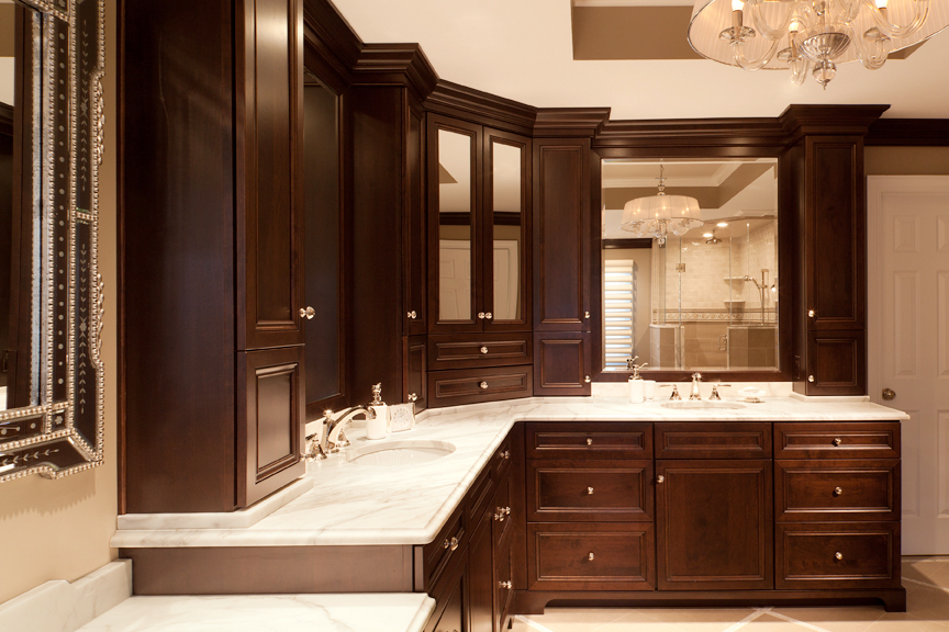 Bathroom cabinets with stylish elegance | Plain & Fancy