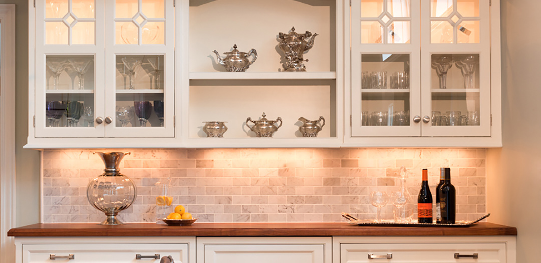 Traditional Kitchen for Wining and Dining