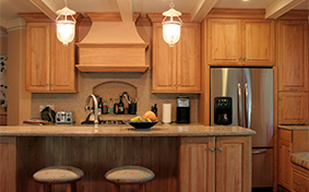 Natural Kitchen Cabinets in Red Oak
