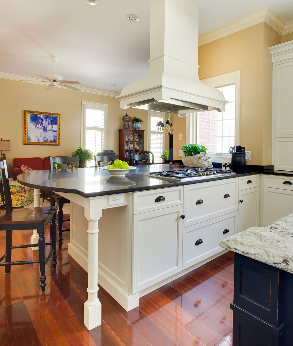 Rustic Elegant Kitchen: Traditional Kitchen Cabinetry With Rustic Elegance