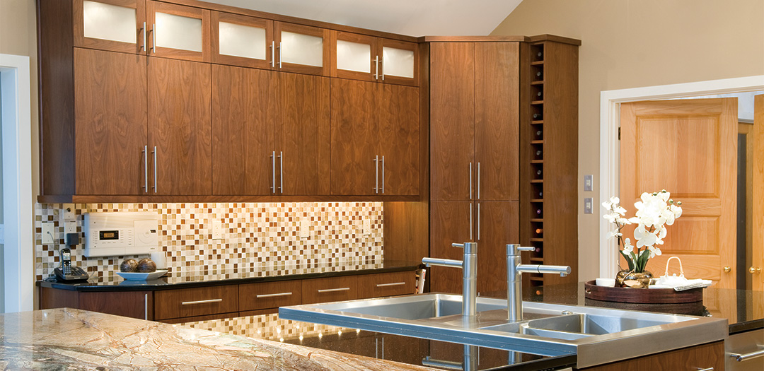 Inviting Kitchen with Warm Tones