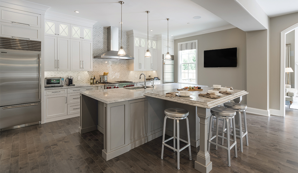 Etonnant Traditional Kitchen Cabinetry With Casual Appeal
