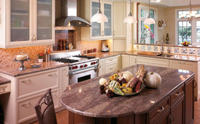 Kitchen Cabinets with Functional Comfort